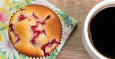 Yogourt grec bananes et fraises Thermomix Desserts, Ww Desserts, Healthy Desserts, Dessert Recipes, Healthy Food, Ww Recipes, Muffin Recipes, Sweet Recipes, Weight Watchers Casserole