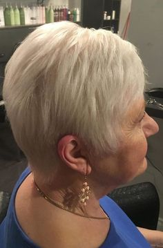 Short Pixie Cuts for St. Patrick's Day 2019 If you are looking for best short pixie cuts for St. Patrick's Day then we can say that in the St. Over 60 Hairstyles, Short Hairstyles 2015, Short Pixie Haircuts, Pixie Hairstyles, Short Hairstyles For Women, Female Hairstyles, Popular Hairstyles, Haircut Styles For Women, Haircut For Older Women