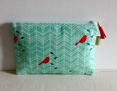 Trousse à maquillage/pochette vert d'eau et corail foncé motif oiseau : Trousses par nais