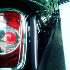 Hagelschaden am Auto? Wir reparieren ihn zu günstigen Konditionen