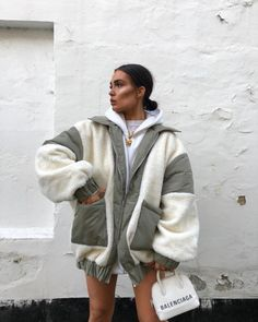 Snug as a 🦟 Winter Fashion Outfits, Fall Winter Outfits, Casual Winter, Casual Summer, Urban Fashion, Look Fashion, Fashion 2020, Lolita Fashion, Fall Fashion