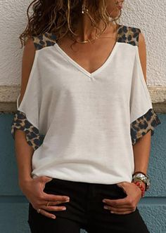 Presale - Leopard Printed Cold Shoulder Blouse without Necklace - White Wholesale Clothing Online Store. We Offer Top Good Quality Cheap Clothes For Women And Men Clothing Wholesaler, Get Affordable Clothing At Worldwide. Cold Shoulder Bluse, Types Of Sleeves, Dresses With Sleeves, Lace Dresses, Half Sleeves, Black Girl Fashion, Womens Fashion, Loungewear Set, Mode Hijab