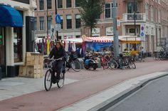 2014 De Dappermarkt is een markt in de Dapperstraat in Amsterdam-Oost en één van de drukst bezochte markten van Amsterdam. Het Dappermarktgebied wordt begrensd door de Wijttenbachstraat en de Mauritskade en wordt doorkruist door de Eerste van Swindenstraat. The Dapper Market is a market in the Dapperstraat in Amsterdam East and one of the busiest markets of Amsterdam. The Dapper Market Area is bounded by the Wijttenbachstraat and Mauritskade and is crossed by First Swindenstraat.