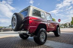 """Our latest 1972 Classic Ford Bronco restoration - Coyote 5.0 engine Overdrive Transmission Wilwood Disc Brakes Vintage Air Conditioning 2 1/2"""" Suspension lift with 33x1250x15 BF Goodrich tires. #coyote #coyoteswap #wilwood #vintageair #bfgoodrich #classicfordbronco #classicbronco #earlybronco #vintagebronco #earlyfordbroncos #fordbronco #ford #bronco #fordsofinstagram #earlybroncodrivers #fordtruck #fordracing #4x4 #shoplife #broncolife #broncosport #Pensacola #velocityrestorations"""