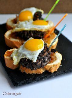 Tapas Menu, Gastro Pubs, Xmas Dinner, Pub Food, Tostadas, Food Diary, Catering, Food To Make, Good Food