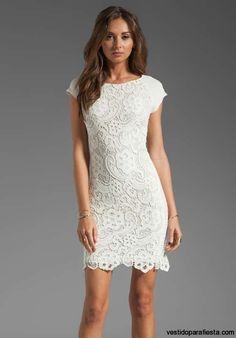 Vestidos cortos de encaje color blanco para fiesta de día - https://vestidoparafiesta.com/vestidos-cortos-de-encaje-color-blanco-para-fiesta-de-dia/
