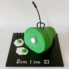 Green eggs and ham Green Eggs And Ham, Trunk Or Treat, Amazing Cakes, First Birthdays, Party Themes, Christmas Ornaments, Teen Parties, Holiday Decor, Fun Cakes