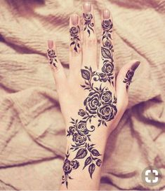 22 Mehndi Designs to Perfect Your Performance in Eid Henna Hand Designs, Eid Mehndi Designs, Mehndi Designs Finger, Latest Henna Designs, Arabic Henna Designs, Bridal Henna Designs, Mehndi Designs For Fingers, Beautiful Henna Designs, Mehndi Patterns