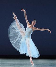 Arantxa Ochoa...Pennsylvania Ballet & New Uarts Ballet Teacher  (so excited!!!!)