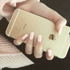 Image via We Heart It https://weheartit.com/entry/156729284/via/21054663 #beauty #girl #gold #iphone #nails #phone #sweater