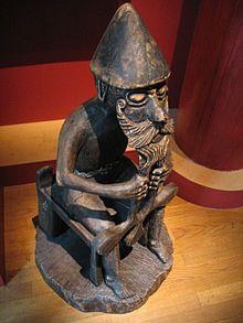 Thor: søn af Fjorgyn og Odin. Gift med Sif, som har sønnen Ull. Sammen har de sønnen Modi, der er gift med Trud. Sammen med jættekvinden Jernsaxa har han sønnen Magne.  Thor eller Tor (norrønt: Þórr, angelsaksisk: Þunor, oldhøjtysk: Donar) i nordisk mytologi Sif's ægtemand, og var tordenguden i den germanske og nordiske mytologi.   Med hensyn til etymologi og funktion, er Thor stort set identisk med den oldindiske gud Indra;  i funktion både med den græske gud Zeus og den romerske Jupiter…