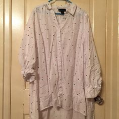 26/28 Lane Bryant button up shirt This is a button up shirt by Lane Bryant. It has pink and red hearts along with black skills on it. It can be worn with the sleeves buttoned up or down as pictures. Size 26/28 Lane Bryant Tops Button Down Shirts