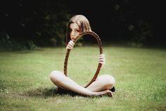 一瞬、目を疑う、鏡イリュージョンなポートレート | roomie(ルーミー)
