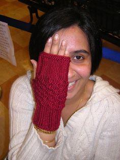 Free: Garnet Fingerless Mitts | Craftsy