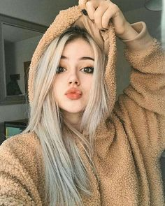 Fashion new Ombre Wigs black light gray ombre Synthetic lace front Wigs natural straight Natural Lace Front Wigs Cute Tumblr Pictures, Girl Pictures, Girl Photos, Best Makeup Primer, Best Makeup Products, Girl Photo Poses, Girl Photography Poses, Blonde Wig, Blonde Ombre