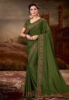 Green Chiffon Saree with Embroidery Crepe Saree, Chiffon Saree, Chiffon Fabric, Silk Sarees, Sari Fabric, Neck Deep, Trendy Sarees, Latest Designer Sarees, Embroidered Clothes