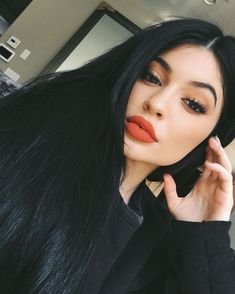 Kylie Jenner's New Lip Color Will Sell Out, So Here Are the Best Dupes You guys know the drill by now. Kylie Jenner releases a new Kylie Lip Kit color; she promises a lot of people will be able to get their hands on it; you freak out; Look Kylie Jenner, Kylie Jenner Hair, Jenner Makeup, Jenner Style, Kendall Jenner, Beauty Care, Beauty Makeup, Beauty Hacks, Diy Beauty