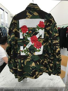 OFF WHITE CO VIRGIL ABLOH M65 CAMO ARROW ROSE EMBROIDERY JACKET    #nabiilabee #quirky #funky #fashionstylist #lookbook #37weekspregnant #octoberbaby #babyontheway #babyonboard #bumpie #bumpchic #pregolicious #ig_motherhood #pregnantandperfect #9monthspregnant #motherhoodrising #authenticmotherhood #uniteinmotherhood #pregnant #motherhoodthroughinstagram #thekuumom #thirdtrimester #babybump #pregnancy #momtobe #3rdtrimester #inspirepregnancy #bumpenvy #babyboy #maternity Hot Outfits, Fall Outfits, Casual Outfits, Fashion Outfits, Streetwear Jackets, Streetwear Fashion, Off White Clothing, Rose Shirts, Diy Schmuck