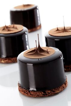 Entremet Recipe, Cafeteria Food, Pastry Art, Fancy Desserts, Dessert Decoration, Cake Decorating Tips, Cake Shop, Pretty Cakes, Mini Cakes