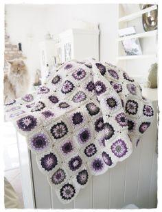 Flower granny square blanket (no pattern)