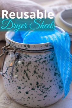 Save money on your laundry bill each month by making these easy homemade dryer sheets. Never spend money on them again and they are reusable. Frugal Living Tips, Frugal Tips, Do It Yourself Projects, Do It Yourself Home, Homemade Dryer Sheets, Household Cleaners, Tricks, Activities For Kids, Saving Money
