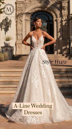 Short Lace Wedding Dress, Pretty Wedding Dresses, Wedding Dress Trends, Bridal Lace, Bridal Dresses, Wedding Gowns, Wedding Bride, Fairytale Bridal, Mermaid Dresses
