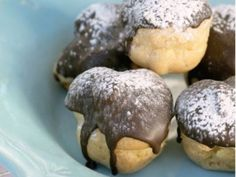 from the YOU kitchen: Cream puffs Yummy Treats, Sweet Treats, Yummy Food, Tea Time Snacks, Choux Pastry, South African Recipes, Candy Recipes, Recipe Of The Day, Tasty Dishes