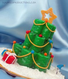 Christmas Tree Mini Cakes - Sugared Productions Blog