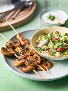 Quinoa, chou-fleur & couscous de brocoli, radis et oignons de printemps, vinaigrette au yaourt à la menthe | Spar