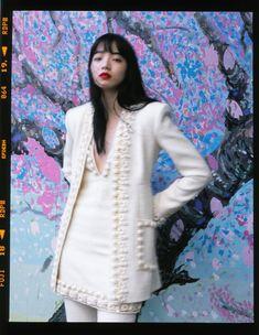 『The Fashion Post (ザ・ファッションポスト)』は東京を拠点に国内外のファッションシーンに関するコンテンツを発信するメディアプラットフォームです。「最上級」であること、「タイムレス」な価値を追求すること、そして「革新的」であることを信念に、ファッション・アート・カルチャー・ライフスタイルに関する最新ニュースやインタビューをデイリーで配信。デジタルネイティブだからこそできる豊かなビジュアル表現を追求すると同時に、ミレニアル世代に向けたラグジュアリーライフスタイルを提案します。 Tokyo Fashion, Work Fashion, Women's Fashion, Gothic Fashion, Retro Fashion, Nana Komatsu Fashion, Japanese Princess, Komatsu Nana, Instagram People