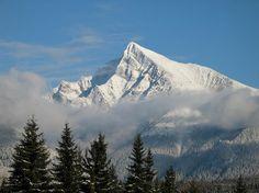 Krivan z Podbanskeho Bhutan, Beautiful Scenery, Homeland, Geography, Perfect Place, Mount Everest, Castle, Explore, Mountains
