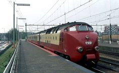 DE-4 TEE Train bought to operate a service between Amsterdam and Zurich, but were later sold to Canada, where they operated as the Ontario Northlander