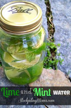 Lime and Mint Water in a Mason Jar - this water is so refreshing! http://www.stockpilingmoms.com/2013/05/lime-and-mint-water/