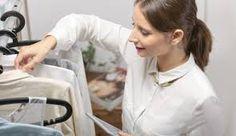 Comprador personal: Si te encanta comprar y te gusta la moda, esta idea de negocio es perfecta para ti. Puedes hacer las compras de personas ocupadas e incluso dar consejos de estilo.