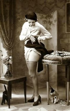 French Naughty 1920s Postcard I wonder if this photo even makes the guys nowadays..?