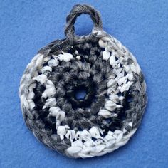 Black White and Silver Plarn Dish Scrubby recycled by plarnstar