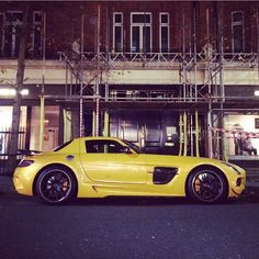#mercedes #sls #amg #blackseries #gullwing #yellow #beauty #amg #amggang #mercedesbenzworld #benz #london #londoncars #Knightsbridge #lamborghini #porsche #ferrari #astonmartin #pagani #supercar