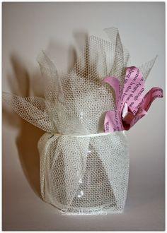 Kynttilälyhdyt paperikukkasin DIY. Pilttipurkkeja + tylliä.