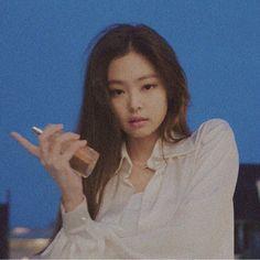 j❣️Chanel - - j❣️Chanel 블랙핑크 Kim Jennie, Yg Entertainment, South Korean Girls, Korean Girl Groups, Blackpink Photos, Kim Jisoo, Cute Icons, I Love Girls, Kpop Aesthetic