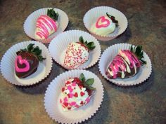 3 Kids and Us: pink-dipped-strawberries