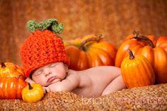 New Item for Fall- Baby Pumpkin Hat Photo Halloween, Halloween Pictures, Halloween Ideas, Fall Halloween, Homemade Halloween, Halloween Candy, Scary Halloween, Foto Newborn, Newborn Shoot