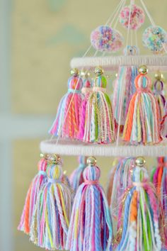 Craft Stick Crafts, Crafts To Sell, Diy And Crafts, Arts And Crafts, Pom Pom Crafts, Yarn Crafts, Nursery Chandelier, Yarn Chandelier, Chandeliers