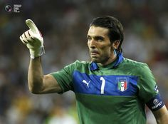 Italy's goalkeeper Buffon reacts during penalty shoot-out at their Euro 2012 quarter-final soccer match against England at Olympic Stadium in Kiev. TONY GENTILE/REUTERS