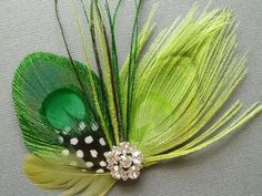 Bridal Fascinator, Fascinators, Ballet Hairstyles, Green Peacock, Feather Hair Clips, Peacock Wedding, Brooches Handmade, Feathered Hairstyles, Hair Pieces