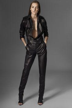 Mugler Pre-Fall 2015 Fashion Show - Josephine Le Tutour Fashion Week, Look Fashion, Fashion Show, Womens Fashion, Runway Fashion, Style Noir, Mode Style, Leather Jumpsuit, Image Fashion