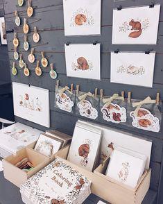Gift shop displays, market displays, craft show displays, craft show idea. Craft Stall Display, Craft Booth Displays, Display Ideas, Booth Ideas, Gift Shop Displays, Market Displays, Art And Craft Shows, Craft Show Ideas, My Little Corner