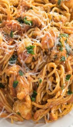 This Chicken Scallopini is made with thin Spaghetti tossed in a thick tomato gravy sauce with white wine and chicken. Chicken Scallopini, Chicken Works, Tomato Gravy, Pasta, Sea Food, Casseroles, Dinner Ideas, Main Dishes, Nom Nom