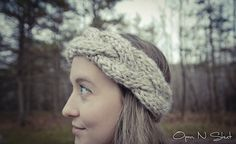 (via Free Pattern: Chunky Cable Knit Crown Headband )