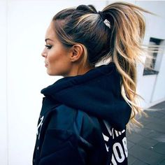 High Ponytail For Long Dark Brown Hair With Honey Blonde Balayage with regard to measurements 1080 X 1042 Cute High Ponytail Hairstyles - Cute Hairstyles Gym Hairstyles, Pretty Hairstyles, Amazing Hairstyles, Formal Hairstyles, High Ponytail Hairstyles, Simple Hairstyles, Long Dark Hairstyles, Long Brunette Hairstyles, Hair Ponytail Styles