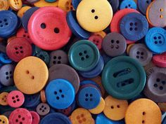50 Fall Coloured Buttons - Mixed Tones - Mixed Sizes - Buttons - #PRB0004 Button Flowers, Button Crafts, Sewing A Button, Rainbow Colors, Different Colors, Sewing Projects, Buttons, Orange, Purple